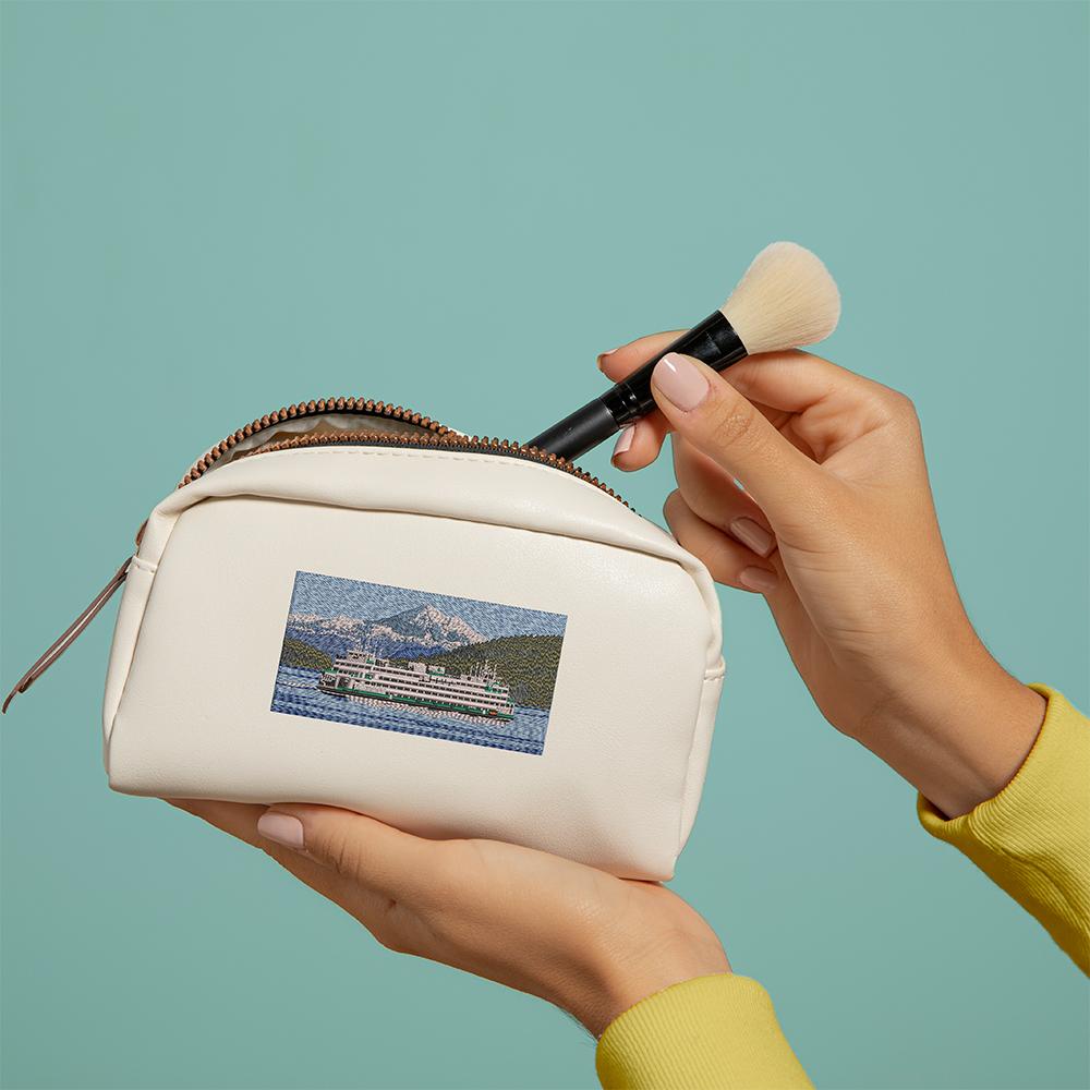 Embroidery Design: Cruise ship Bag